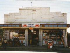 "Settler""s Store, Nanyuki (1991) by <b>SHoweMBOU</b> ( a Panoramio image )"