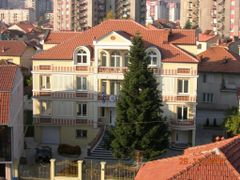 Bitola(FYROM):The Hellenic Consulate by <b>Kostas Katsimigas</b> ( a Panoramio image )