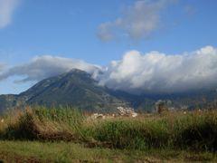 Mendos Dag? by <b>barbarosakpinar</b> ( a Panoramio image )