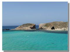 il paradiso naturale esiste! (Comino) by <b>Rafl</b> ( a Panoramio image )