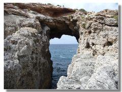 ennesima finestra nella roccia by <b>Rafl</b> ( a Panoramio image )