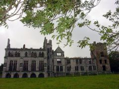 "Beara : Puxley""s Castle : 2003 by <b>Peter Connolly</b> ( a Panoramio image )"