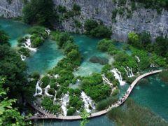 Plitvice Lakes - Croatia by <b>Tom Portschy</b> ( a Panoramio image )