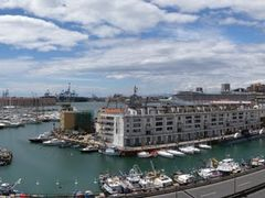 Panorama porto di Genova by <b>themachinist</b> ( a Panoramio image )