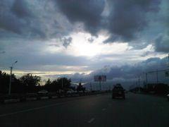 Heavy cloud, no rain - Вот такое вот хреновое лето by <b>KPbICMAH</b> ( a Panoramio image )