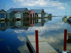 Docks, Port Rowan - Lake Erie by <b>Tomros</b> ( a Panoramio image )
