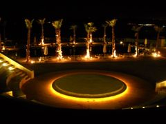 Holiday inn theater & side pool @ night by <b>Dr.Azzouqa</b> ( a Panoramio image )