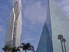 Crystal Cathedral, Garden Grove, California. 2006 by <b>Francisco Santos (xuaxo)</b> ( a Panoramio image )