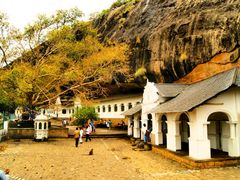 Cave temple in Dambulla by <b>bonavista</b> ( a Panoramio image )
