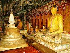 Cave Temple interior by <b>bonavista</b> ( a Panoramio image )