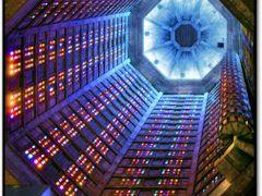 Colonne lumineuse by <b>Michel Cheron</b> ( a Panoramio image )