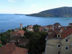 Blick von der Festung auf Altstadt und Kotor-Bucht  by <b>© argon4811</b> ( a Panoramio image )