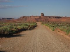 Valley of the Gods, Utah by <b>J.gumby.BOURRET</b> ( a Panoramio image )