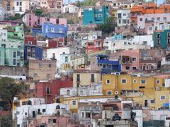 Colorido de Casas en Guanajuato Capital by <b>? ? galloelprimo ? ?</b> ( a Panoramio image )