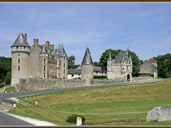 Chateau de Montpoupon by <b>alainchoquet</b> ( a Panoramio image )