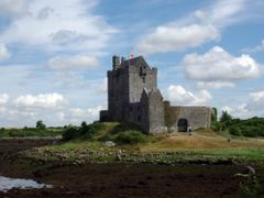 Irish Castle by <b>-NeveN-</b> ( a Panoramio image )