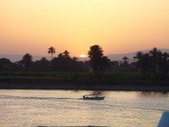 Luxor by <b>Tibor Kmostinec</b> ( a Panoramio image )