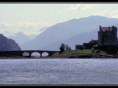 Eilean Donan Castle -Dornie by <b>Herb Riddle</b> ( a Panoramio image )