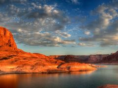 Mountain Sheep Canyon Lake Powell by <b>Faryndale</b> ( a Panoramio image )