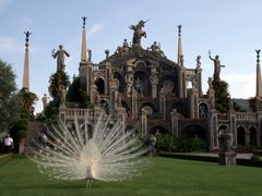 Palace garden... Isola Bella... Lago Maggiore... Italy... by geo by <b>geotsak  (in memory)</b> ( a Panoramio image )