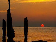 Sunset en Playa Polita, Salinas by <b>Rutas Verdes Puerto Rico</b> ( a Panoramio image )