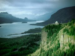 Columbia River Gorge - 199304LJW by <b>Larry Workman QIN</b> ( a Panoramio image )