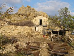 Old farm in Anaxos, Lesvos by <b>Katarzyna Foltyn(Luckyme)</b> ( a Panoramio image )