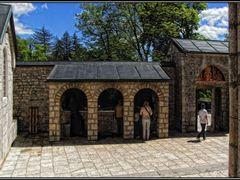 Opferhalle im Innenhof by <b>© argon4811</b> ( a Panoramio image )