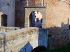 "Modigliana (FC) - La ""Tribuna"", XVI Sec. - Ingresso al Borgo Vec by <b>esse est reminisci (SAVE PANORAMIO)</b> ( a Panoramio image )"