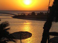 El Gouna, Egyiptom, Sheraton Miramar Hotel, sunrise by <b>nikibaba01</b> ( a Panoramio image )