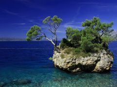 Brela?s dreamy island°MYSELF° by <b>Ivan Berta</b> ( a Panoramio image )