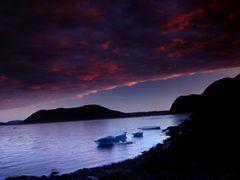 Midnight sun near Hvalsey by <b>Philippe Stoop</b> ( a Panoramio image )