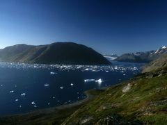 Eiriksfjord by <b>Philippe Stoop</b> ( a Panoramio image )