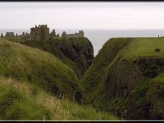 Gorge, Dunnottar Castle by <b>PigleT</b> ( a Panoramio image )