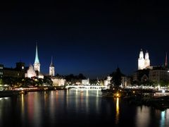 Nocturno de Zurich by <b>JAAA</b> ( a Panoramio image )