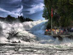Rheinfall Schaffhausen - Sturzende Fluten + Besucherplattform by <b>Thomas Splietker</b> ( a Panoramio image )