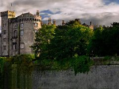 Kilkenny Castle - WindowsToIreland.com by <b>KevinLogan</b> ( a Panoramio image )