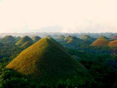 ?Chocolate hills? by <b>?AXL?BACH?</b> ( a Panoramio image )