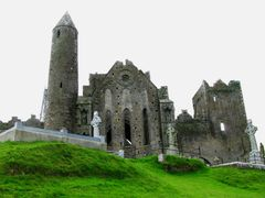 Rock of Cashel by <b>Airone</b> ( a Panoramio image )