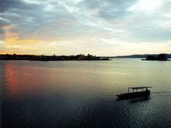 Flores : Lake Peten : Evening Boat by <b>Peter Connolly</b> ( a Panoramio image )