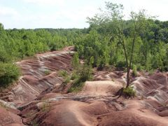 Kanada,On,Trail,Cheltenham Badlands by <b>Barbara Marciniak</b> ( a Panoramio image )
