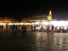 Marrakech, 13 - Place Jemaa el-Fna evening by <b>MAPP HUDRANS</b> ( a Panoramio image )
