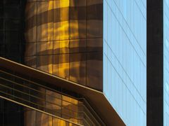 Golden Tower - Doha west bay by <b>S?ren Terp</b> ( a Panoramio image )