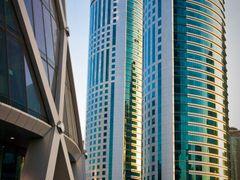 Al Fardan Twin Towers by <b>S?ren Terp</b> ( a Panoramio image )
