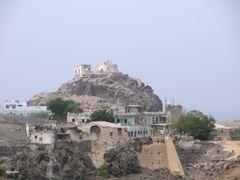 FG262 ... View Around Top of Al-Tawahi Clock Mountain, Aden by <b>falgahri</b> ( a Panoramio image )