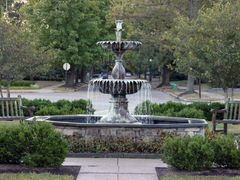 Mariemont Fountain by <b>Peter Bond</b> ( a Panoramio image )