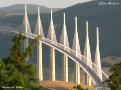 Viaduc de Millau by <b>? Dominique Rolland</b> ( a Panoramio image )