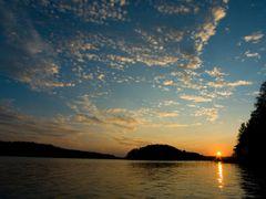 Sunset on Lake Saimaa by <b>Sampo Kiviniemi</b> ( a Panoramio image )