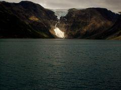 ksfjordjkelen glacier by <b>Csongor Boroczky</b> ( a Panoramio image )