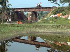 Rail Culvert! by <b>Shaikh Aslam Goni</b> ( a Panoramio image )